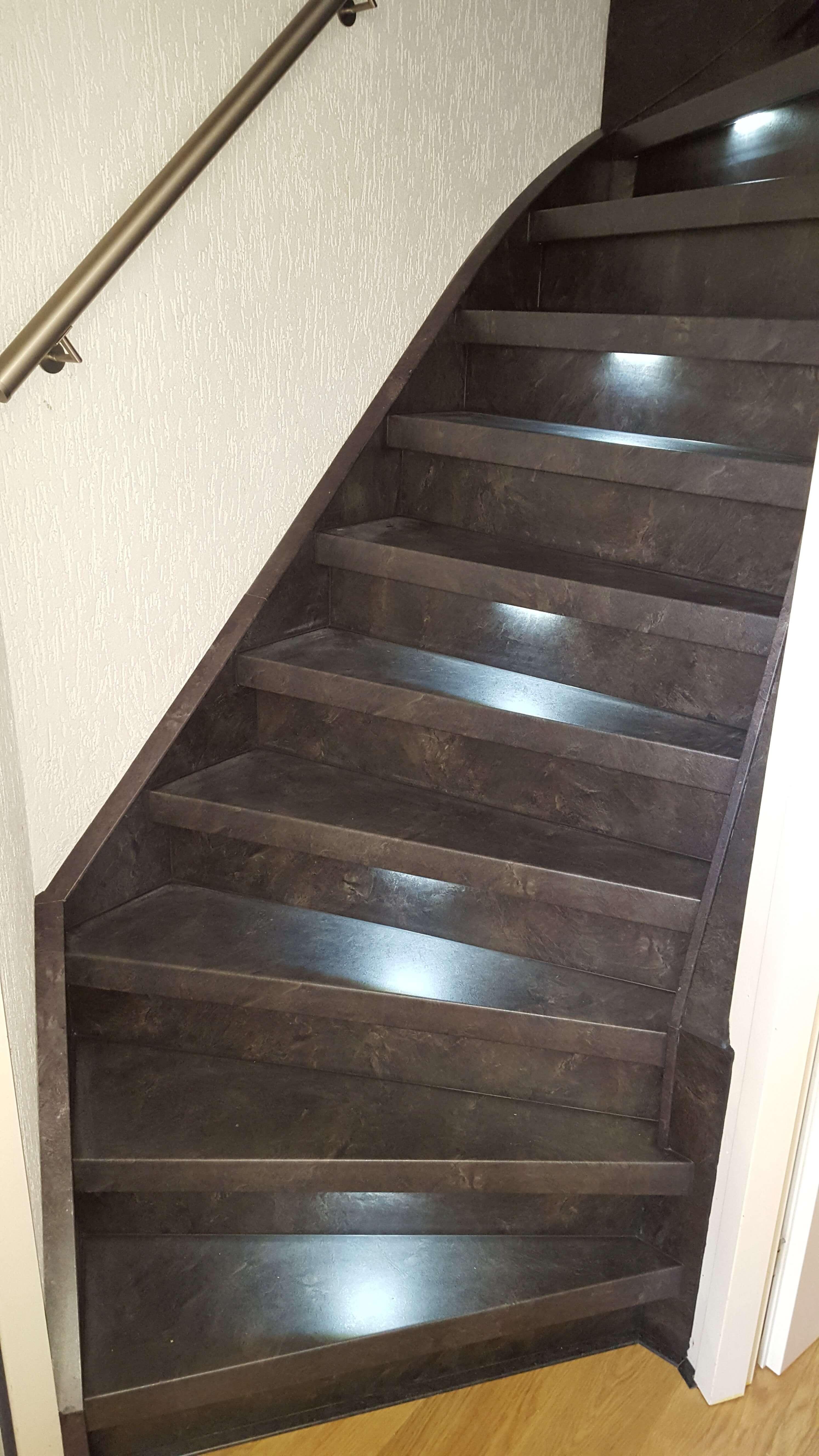 Bekleden trap met laminaat en led