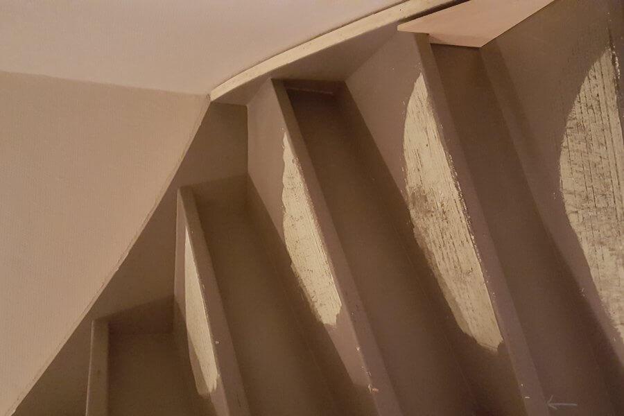 trap gestript om te beginnen met renovatie